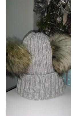 Zimowa czapka z dwoma pomponami z lisa szara